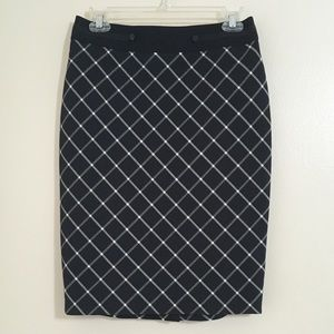 The Limited Size 2 Black & White Pencil Skirt